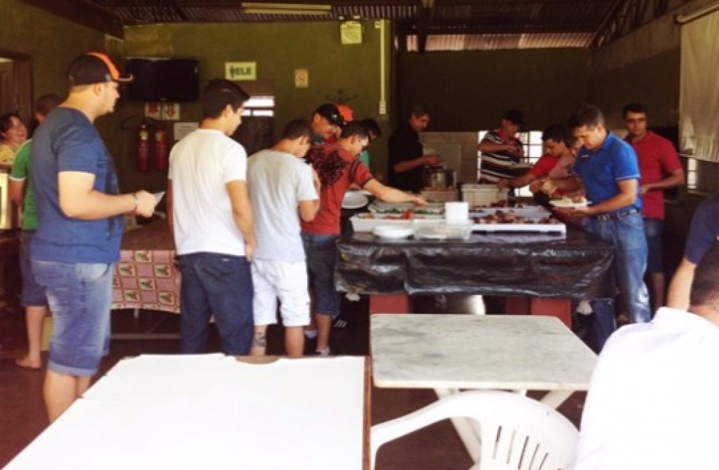 Colaboradores comemoram Dia do Trabalho com almoço realizado pela Lajes Patagonia