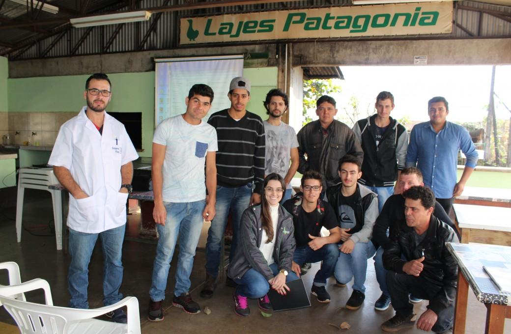 Colaboradores de três unidades da Lajes Patagonia passam por capacitação de Ponte Rolante