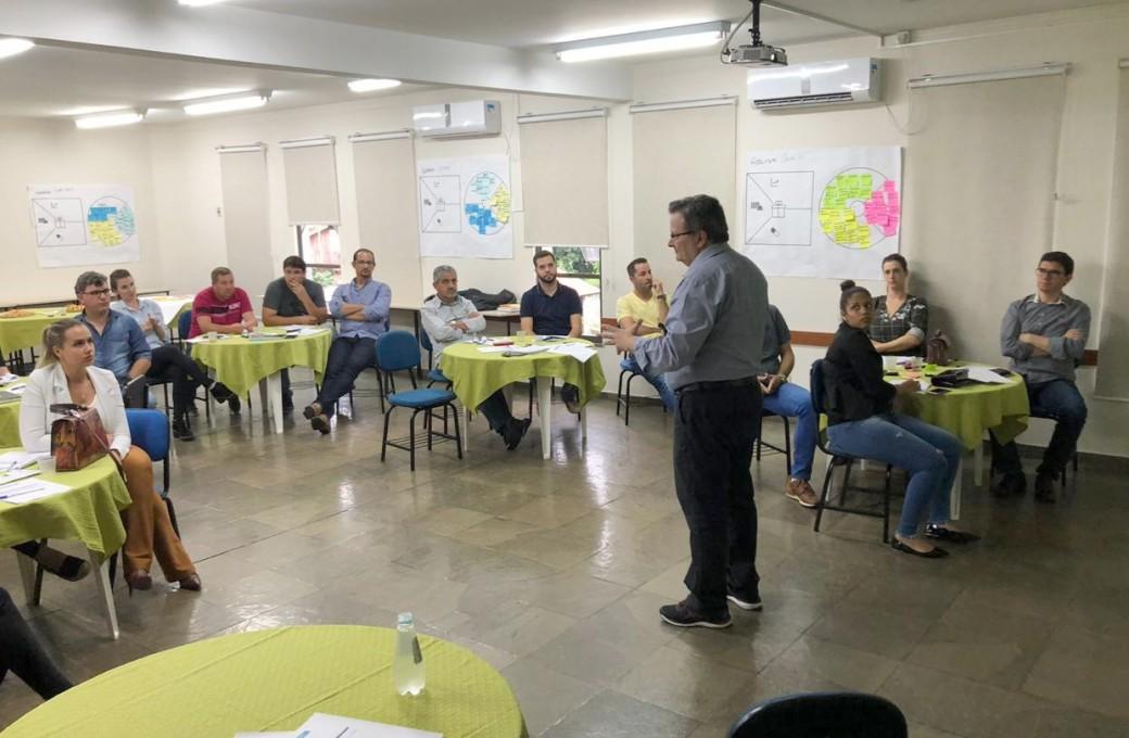 """Fundação Dom Cabral e Lajes Patagonia realiza primeiro módulo do treinamento """"Habilidades em Vendas""""."""