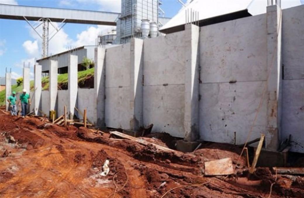 Laje PI e sua utilização na contenção do solo