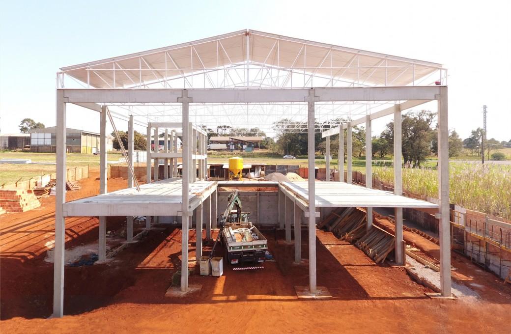Pré-fabricado para atividade comercial foi edificado em Cascavel