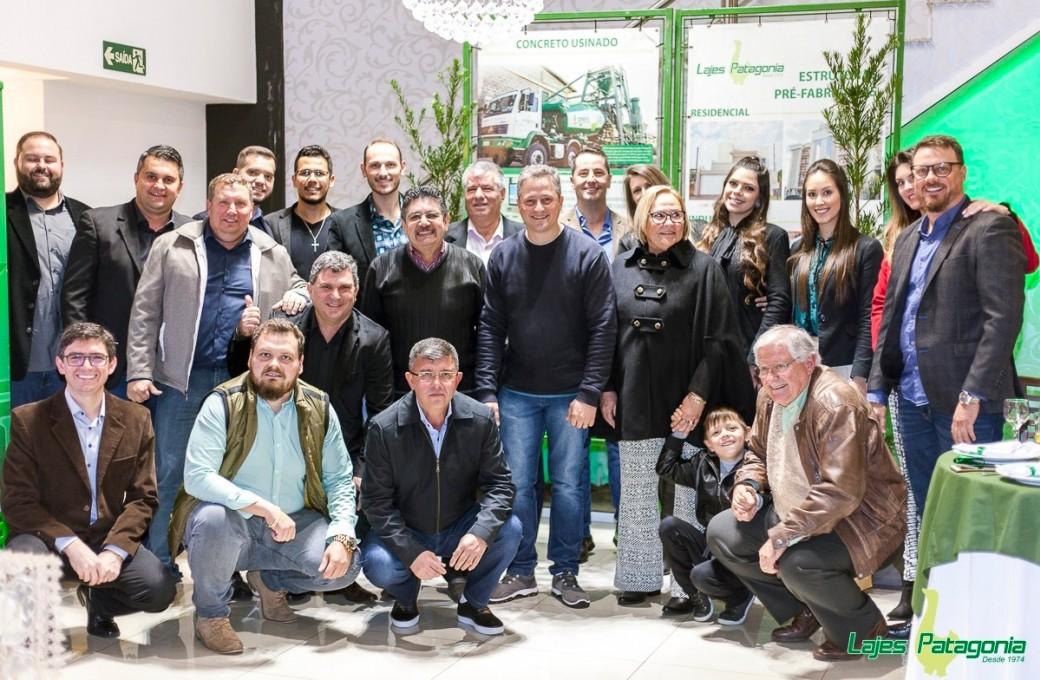 Vendedores da Lajes Patagonia são premiados por comprometimento de vendas em 2017